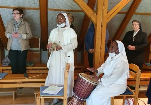 Sveta misa zahvalnica na završetku nastave - Boga se može slaviti i u ritmu Afrike - 67